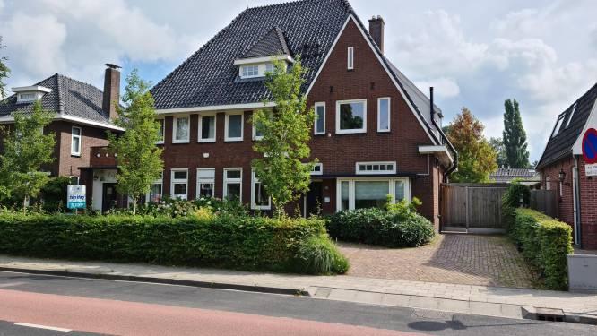 Voor een miljoen kun je wonen in deze voormalige Raiffeisenbank in Haaksbergen