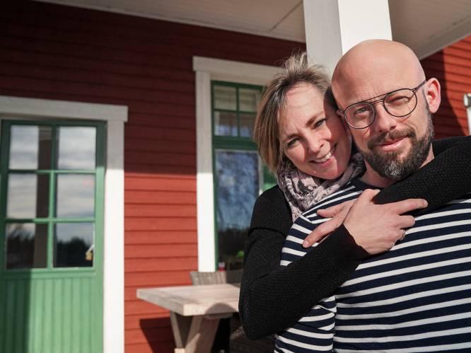 """Staf Coppens en Monique over de relatietest die hun verhuis blijkt te zijn: """"Dit was voor ons de gezondst mogelijke beslissing"""""""
