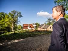 'Op papier is het gebied van kasteel Rosendael beschermd, maar de gemeente laat alles maar gebeuren'