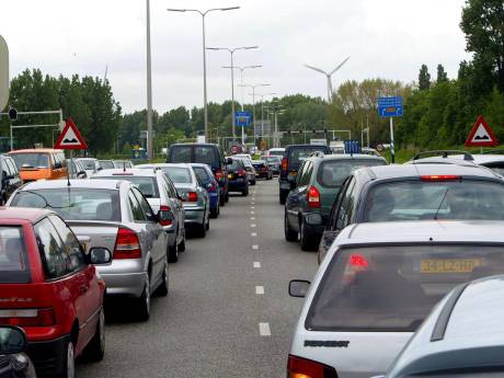 Verkeerslichten Groene Kruisweg extra op groen vanwege drukte