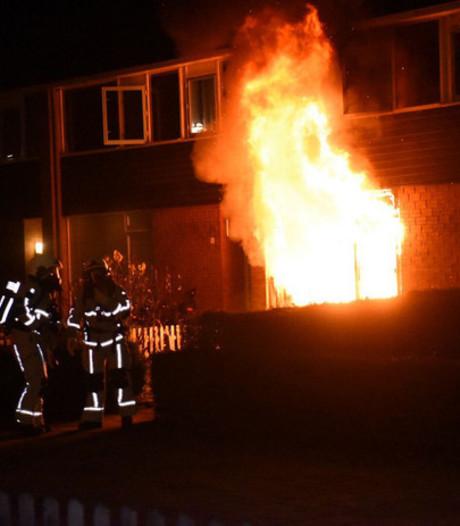 Politie pakt vrouw (31) op in zaak geruchtmakende brand in Almelo