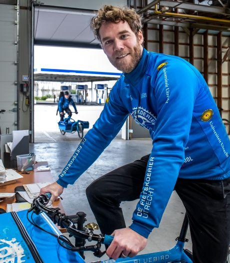 Bedrijf van fietskoerier Tobias bezorgt duizend pakketten per dag: 'We gooien ze nooit ergens neer'