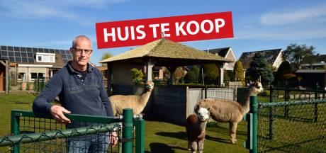 Altijd al een weiland met dieren achter je huis willen hebben? Dit is je kans