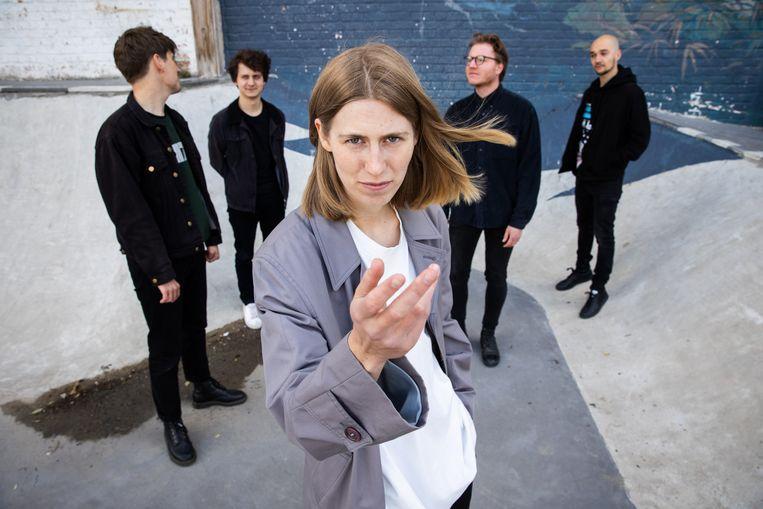 Whispering Sons, met gitarist Kobe Lijnen uiterst links Beeld Guy Kokken