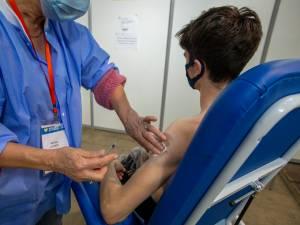 Pourquoi a-t-on mal au bras après avoir été vacciné et comment soulager la douleur?
