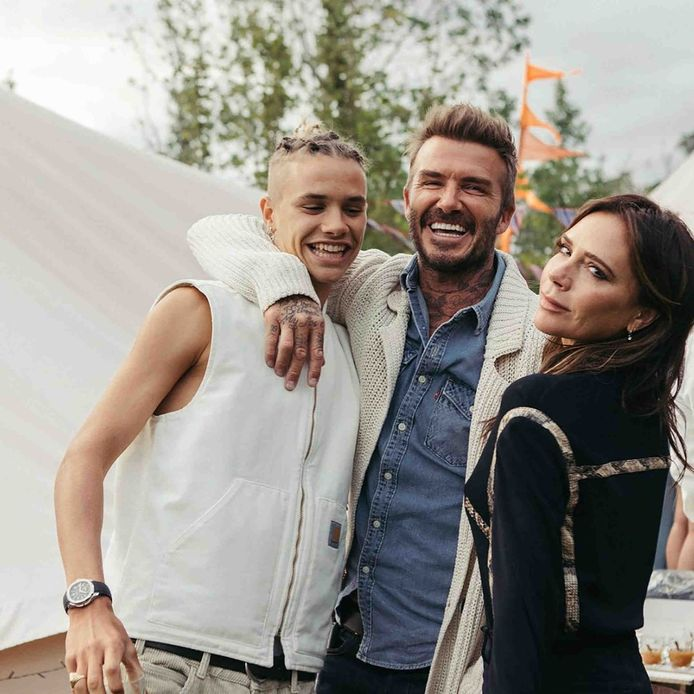 Romeo Beckham met zijn ouders, David en Victoria.