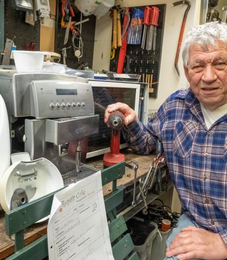 Van vaatwasser tot naaimachine, Repair Café Vlissingen maakt het met geprinte onderdelen