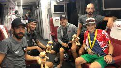 """15-jarige renner die kanker overwon bij Lotto-Soudal op bezoek in de Tour: """"Fantastisch dat ik dit mag doen"""""""