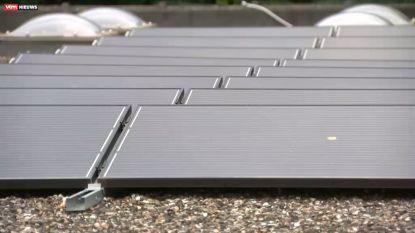 Voor het eerst schitteren er zonnepanelen op het dak van een kerk