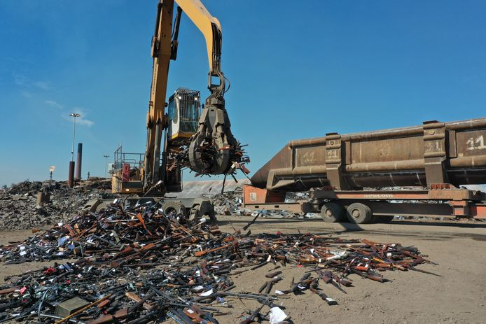 ArcelorMittal vernietigde 6 ton vuurwapens
