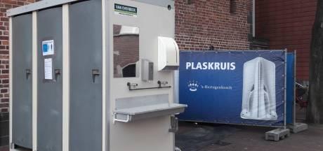 Wie plast er in de plaskruizen in de Bossche binnenstad?