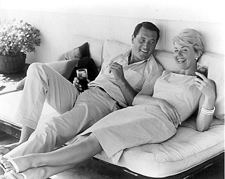 Doris Day met haar vaste tegenspeler Rock Hudson. Beeld AFP