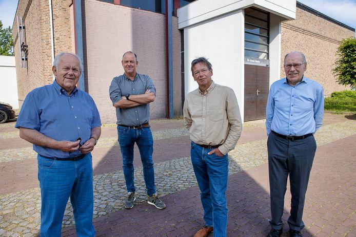 vlnr: Mari Thijssen, Joost van Dijk, Rini Braat en Wim van Dijk zoeken samen naar een acceptabele oplossing voor herbestemming van de Goede Herderkerk.