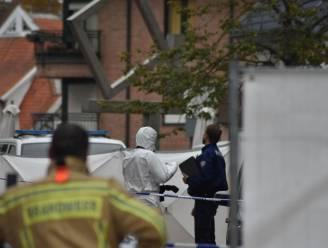 Slachtoffer om het leven gebracht met messteken en dood aangetroffen in portaal van kapsalon: drie verdachten opgepakt