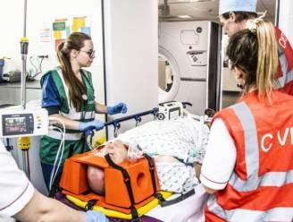 """AZ Groeninge krijgt internationale erkenning voor traumazorg: """"We redden niet alleen levens, we waken ook over de levenskwaliteit"""""""