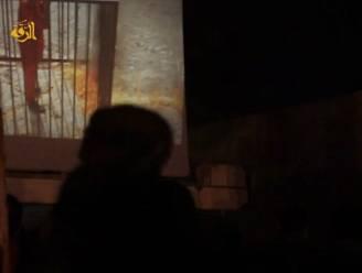 Levend verbrand voor het 'amusement': mannen én kinderen bekijken moord op grote schermen
