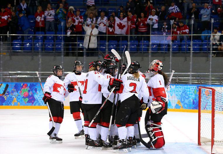 Canada viert een goal tegen Zwitserland in de halve finale Beeld getty
