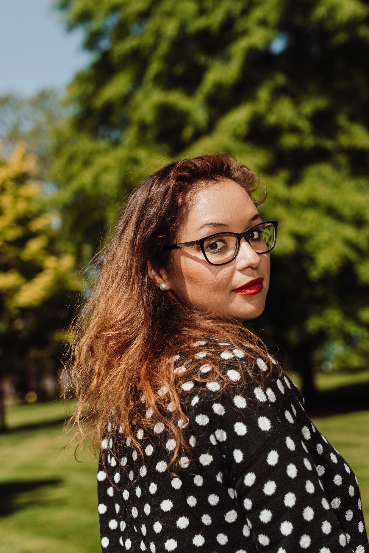 Coline Fanon kwam in 1991 via de vzw Hacer Puente vanuit Guatemala terecht bij een Belgisch gezin. Zij ontdekte onlangs dat haar ouders haar jaren dood hadden gewaand.