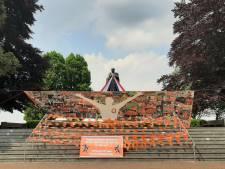 Ook Schaepman houdt van Oranje: monument in Tubbergen volledig versierd