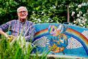 Bep van Beek, al 70 jaar bewoner van deze wijk en beheerder van wijktuin Van Swietenhof