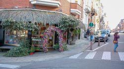 """Personeel bloemenzaak geschokt: """"Drugshandel, hier?! Wij verkopen alleen bloemen"""""""