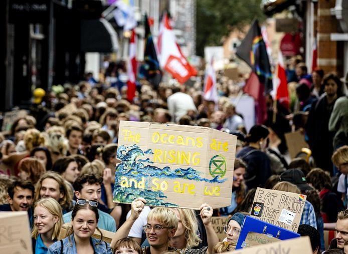 Scholieren en studenten voerden afgelopen vrijdag actie tijdens de wereldwijde klimaatstaking van Fridays For Future.