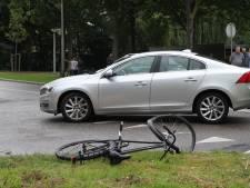 Fietser gewond na botsing met auto in Delft