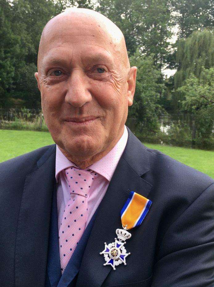Frans Verhallen, Ridder in de Orde van Oranje Nassau