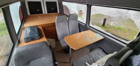 Ouderenbus in Dalfsen kort en klein geslagen: 'Daders hebben geen idee wat ze ons aandoen'