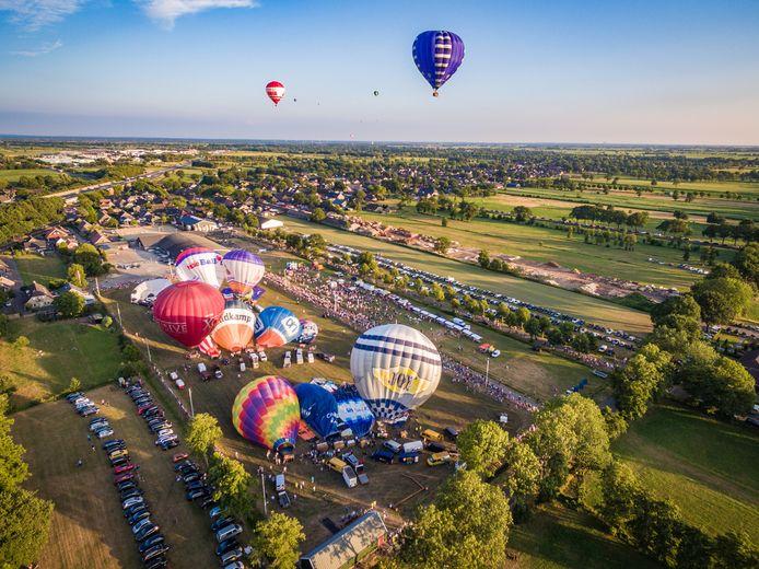 Deze beelden blijven dit jaar vooralsnog uit: op vrijdag wordt er vanwege het slechte weer geen ballonvaart gemaakt, de hoop is nu gevestigd op zaterdag.