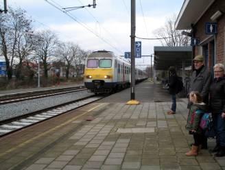 """""""Infrabel moet stoppen met spelletjes spelen op de kap van gemeenten en reizigers"""": stad en Vervoerregio Waasland sturen boze brief na geruchten over schrappen spoorlijnen"""