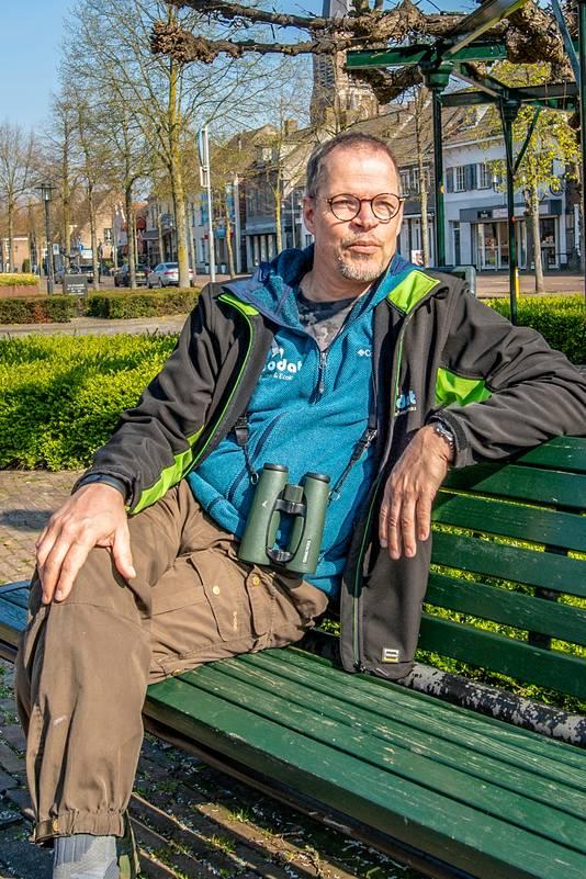 """De Etten-Leurse ecoloog Ed Michels adviseert overheden onder meer over vleermuizen in gebouwen. ,,Het ligt niet aan die dieren: je moet gewoon op tijd een goed plan van aanpak hebben."""""""