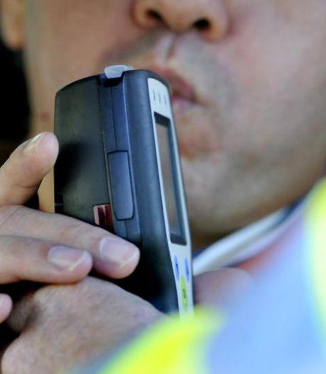 Politie snapt hele reeks drankrijders in Sluis, neemt drie rijbewijzen in