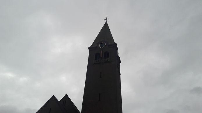 De wijzers zijn van de Boschwegse kerk in Schijndel gehaald. Het klokwerk wordt gerestaureerd in Lierop.
