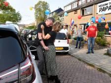Na maanden revalideren is coronapatiënt Ron (60) weer thuis in Woerden: 'Wonder dat ik nog leef'