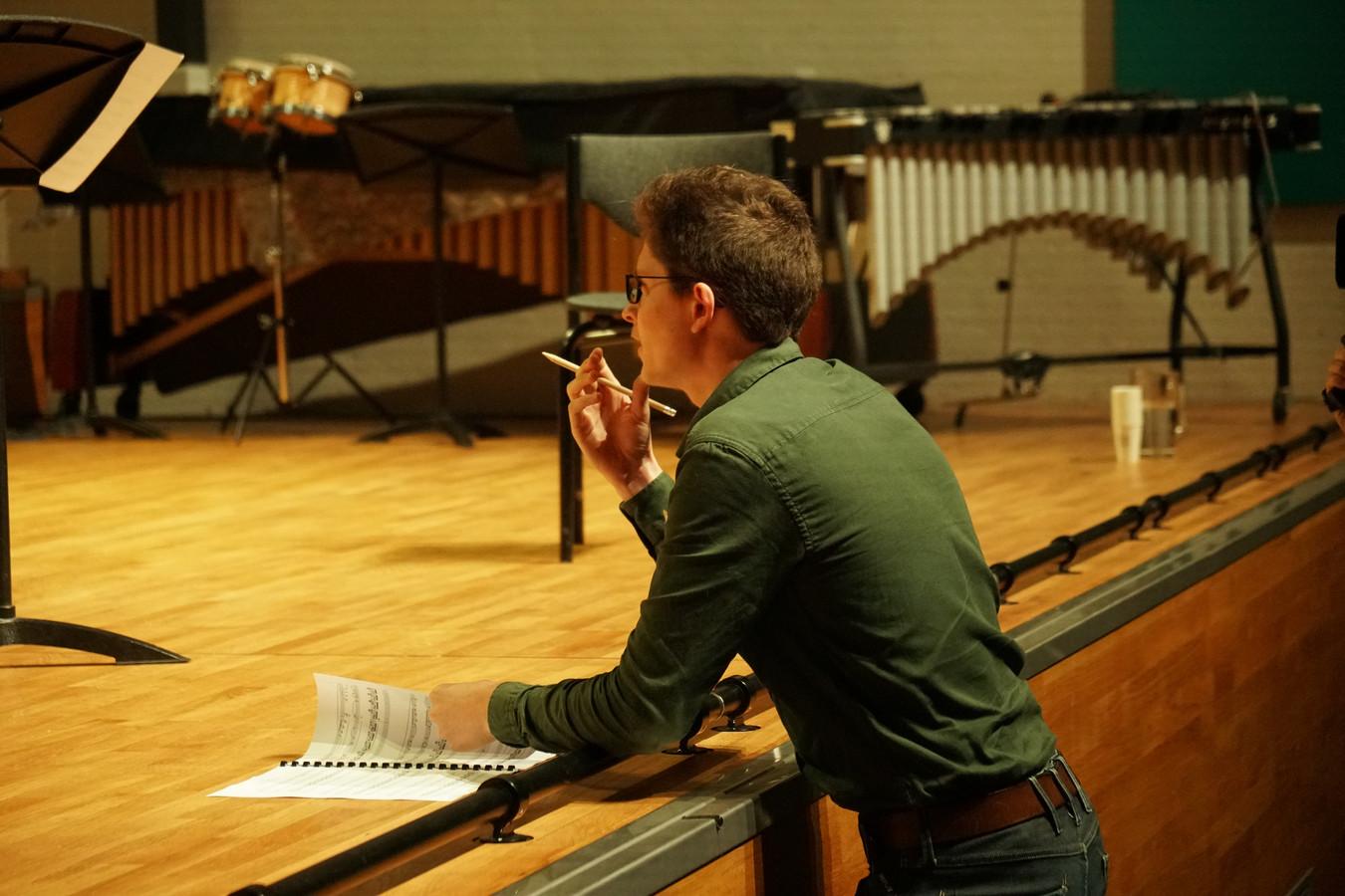 Maurick Reuser tijdens de repetitie en opname van Memory Lane (2020) door Trio Chimaera op Hogeschool voor de Kunsten Utrecht