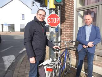 Vrij rechtsaf voor fietsers op kruispunt Oudenaardsestraat