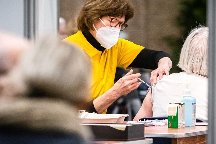 Inenten van ouderen tegen corona kan ook probleemloos verlopen