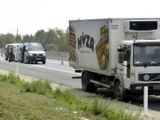 Vingt migrants retrouvés morts dans un camion