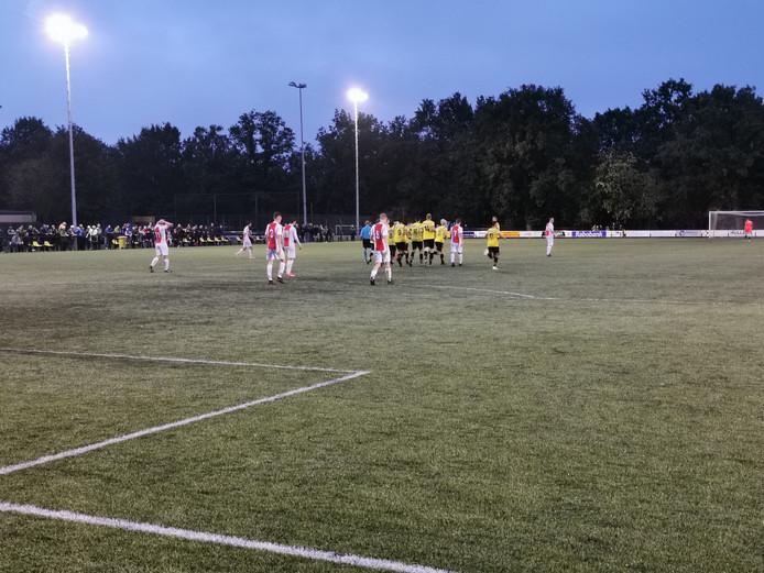 De derby tussen VIOS Vaassen en Oene eindigde in 2-2.