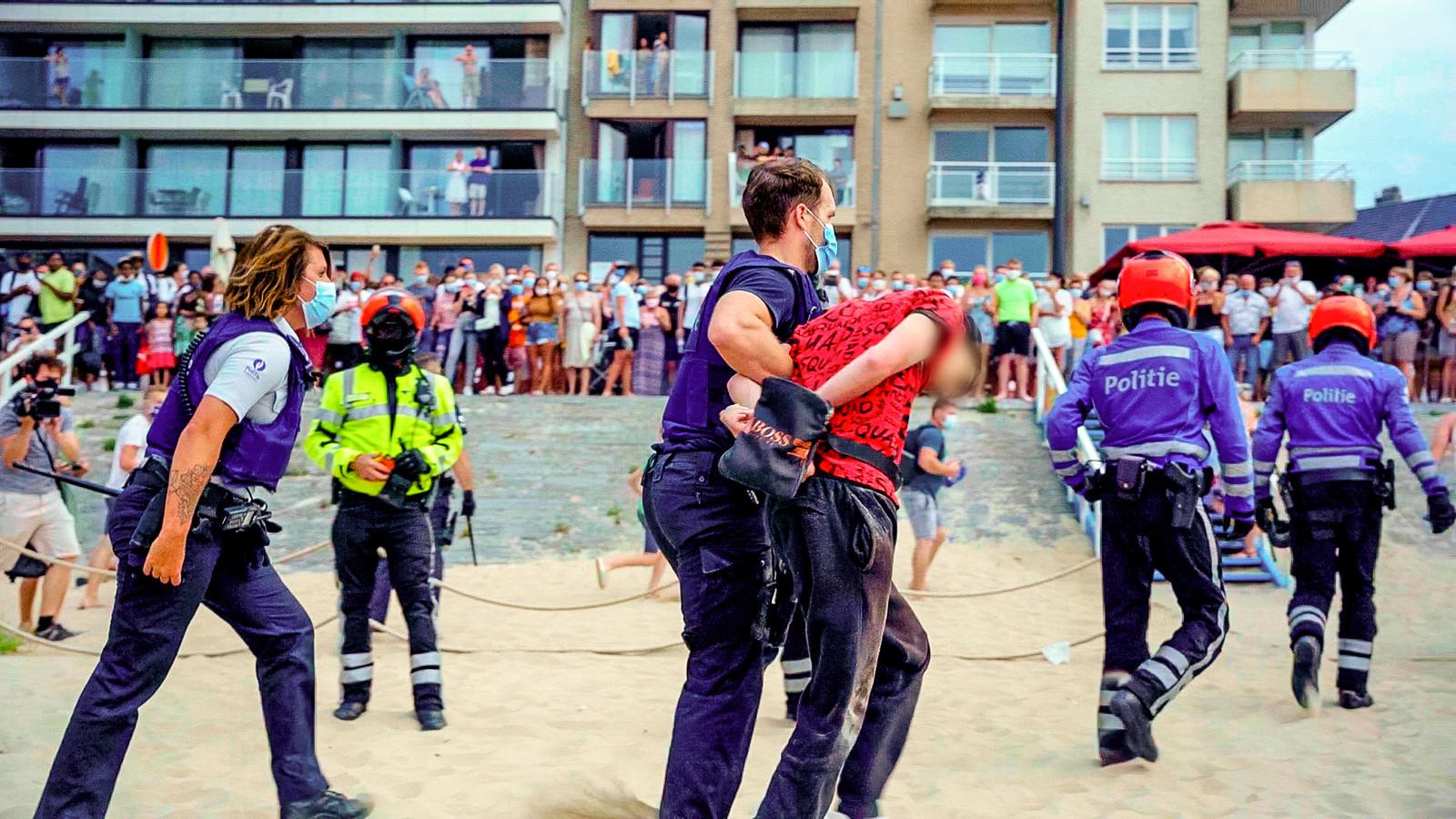 Problemen zoals vorig jaar, toen er rellen ontstonden op het strand, willen ze in Blankenberge absoluut vermijden.