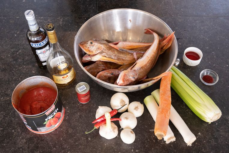 De ingrediënten an de vissoep. Beeld Els Zweerink