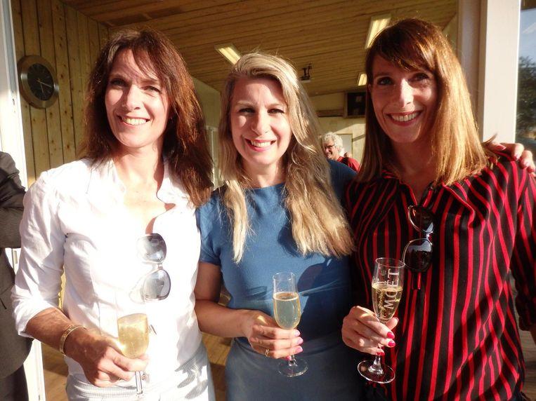 De betreffende dochters: Laura, Eva en Wendy Lopes Dias (vlnr) Beeld Schuim