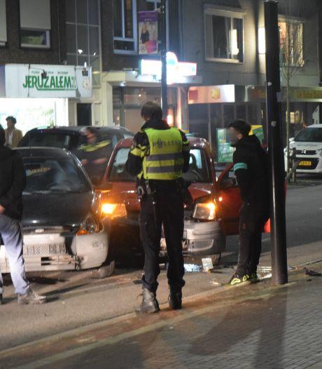 Gewonde bij botsing tussen twee auto's in Doetinchem