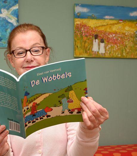 Laatbloeister slaat met boek over fantasiewezentjes een nieuwe weg in: 'Die vrolijke plaatjes vinden kinderen heel leuk'