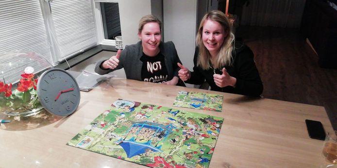 De winnaars Leonie Middelhuis en Annemiek Middelhuis, 'geklokt' na 1 uur 45 minuten.