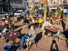 Nieuwsoverzicht | Terrassen ontruimd tijdens horeca-acties - Streep door Indoor Brabant wegens paardenvirus