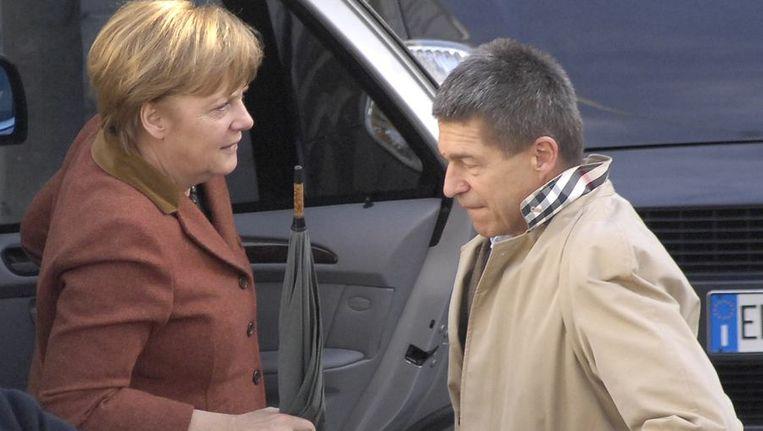Angela Merkel en haar echtgenoot vieren Pasen op het Italiaanse eiland Ischia. Beeld reuters