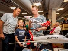 Fans spotten koopjes op hét evenement voor vliegtuigfanaten: 'Dit is mijn passie'