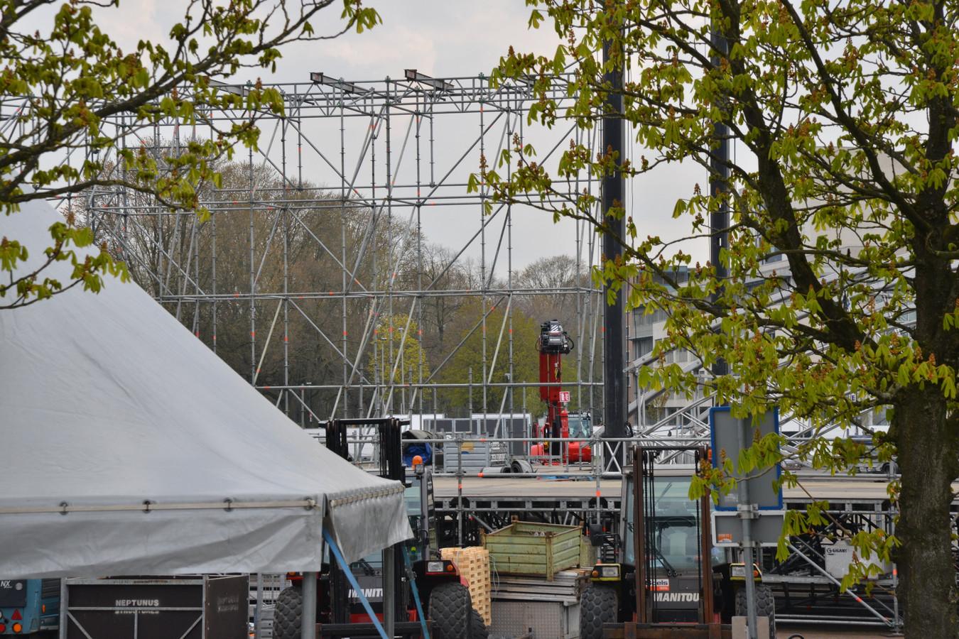 Het evenemententerrein op het Chasséveld wordt afgebroken.